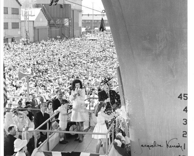 Jacqueline Jackie Kennedy signed 8x10 photo! RARE! John F. Kennedy! JSA LOA!